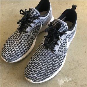 """Nike Shoes - Grey Flyknit Roshe """"Beethoven"""" c1c3fe8af"""